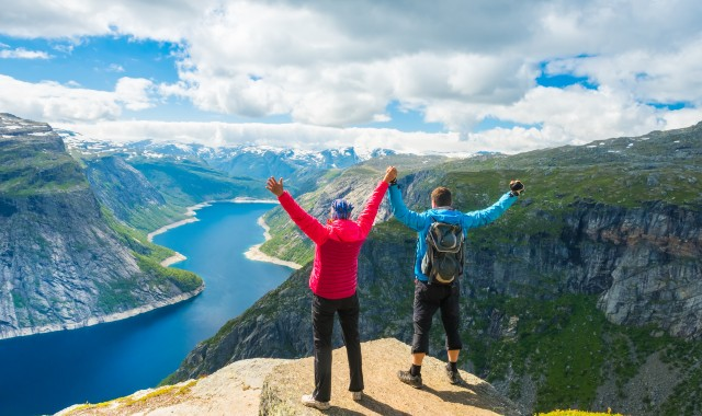 Hiking in Norway: The Ultimate Guide [2021]