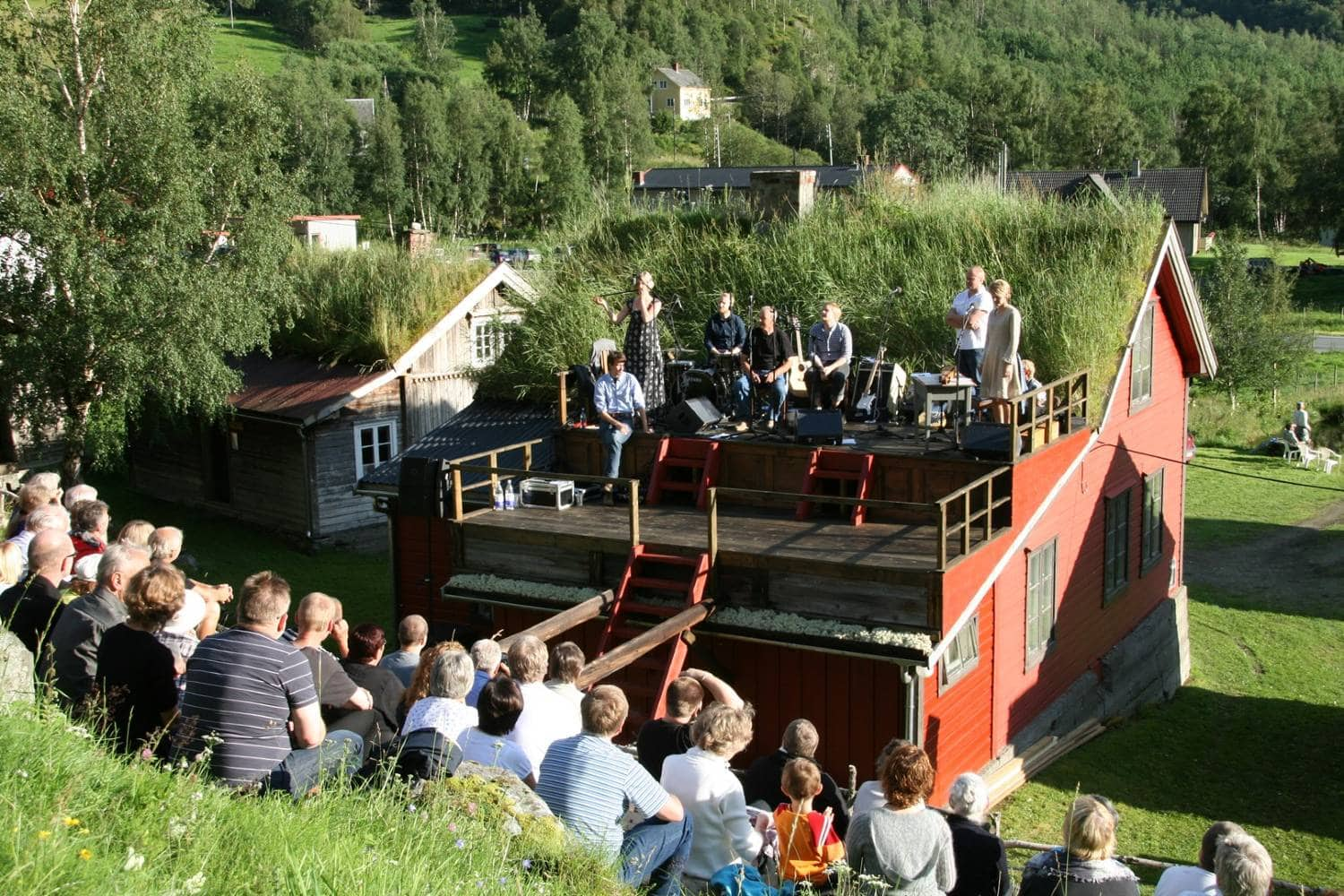 A local concert along the Kings Road in Lærdal Norway