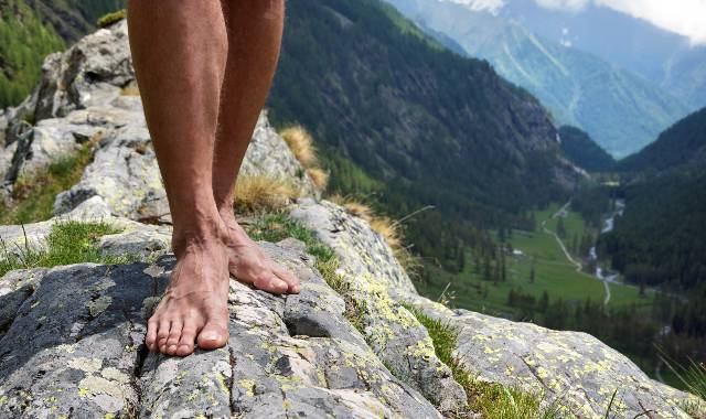 Barefoot Hiking: Useful Tips & Best Trails in the World