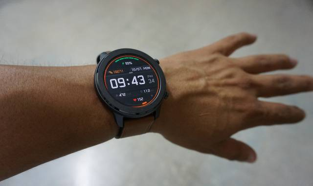 Best Hiking Watches & Fitness Trackers for Hiking